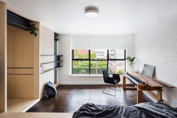 26㎡单身公寓玄关是厨房走道藏衣柜 还有宽敞客厅