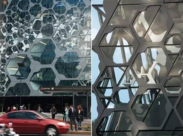 建筑表皮由大小不同的六边形蜂窝状框架组成,悬挑出大约3米,内部作为图片